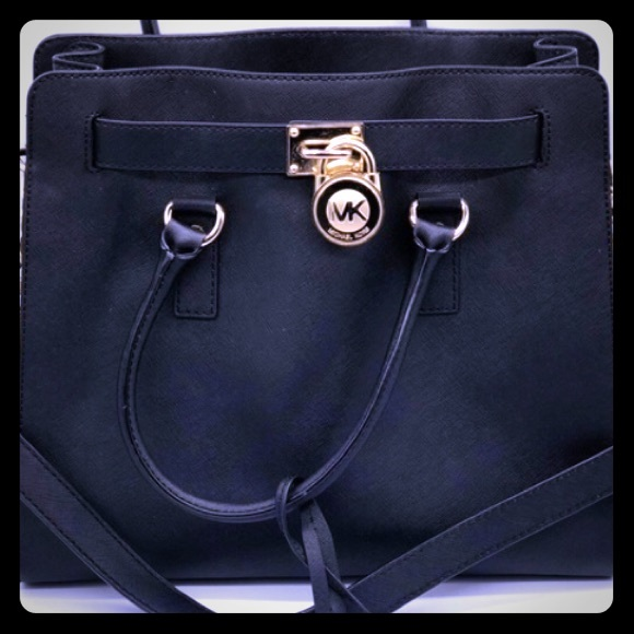 9f4ee4b180de Michael Kors Bags | Leather Hampton Tote Bag | Poshmark